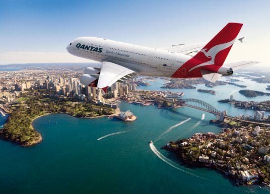 Qantas adjusts Australia – Singapore services