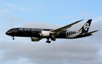 Air_New_Zealand,_Boeing_787-9_ZK-NZE
